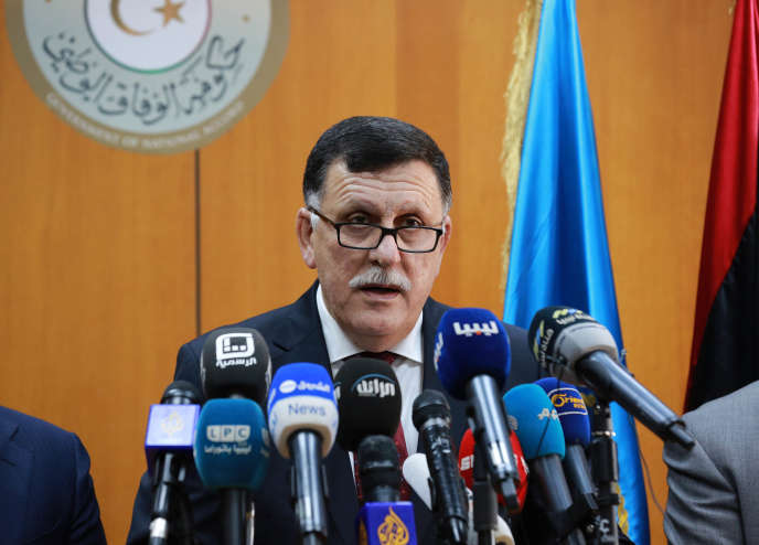 Faïez Sarraj, le chef du gouvernement dit d'« union nationale » enfanté par l'accord de Skhirat, le 30 mars, lors de son installation effective à Tripoli.