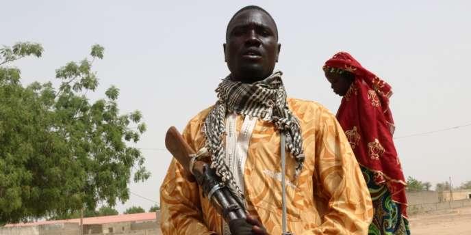 Aladji Boubakar Mahamat, un membre des comités de vigilance de Kerawa. Il affirme avoir tué trois terroristes de Boko Haram.