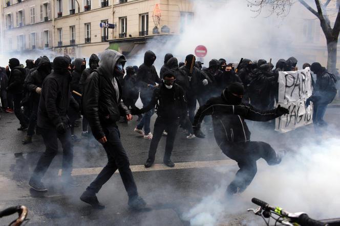 Manifestation de lycéens, à Paris, le 31 mars 2016.