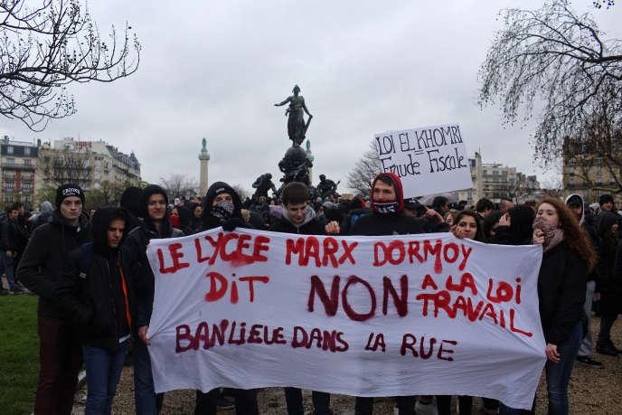 Manifestation de lycéens, à Paris, le 31 mars.