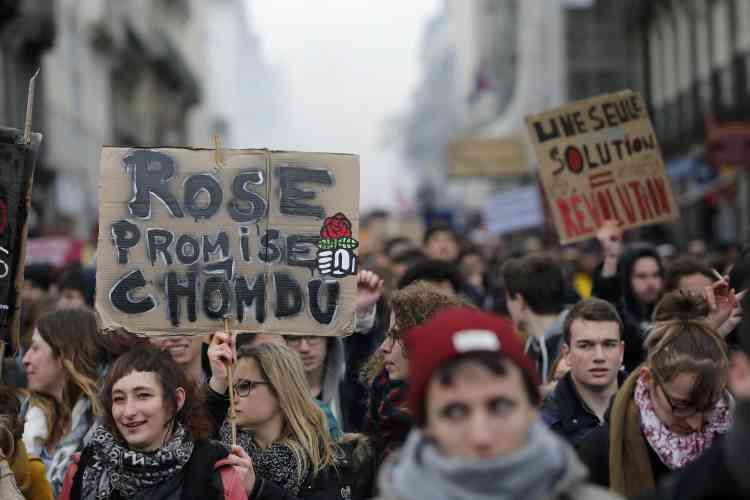 A Nantes, le cortège a mêlé ouvriers et lycéens, salariés et étudiants : 12 000 personnes selon la police, 30 000 selon les organisateurs.