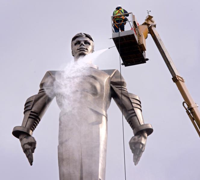 Une statue de Youri Gagarine à Moscou, le 6 avril 2016.