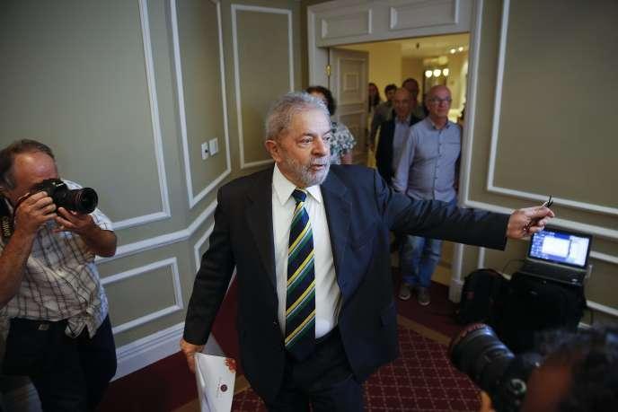 L'avocat de Lula dénonce une accusation «frivole» fondée sur des arguments« fragiles».