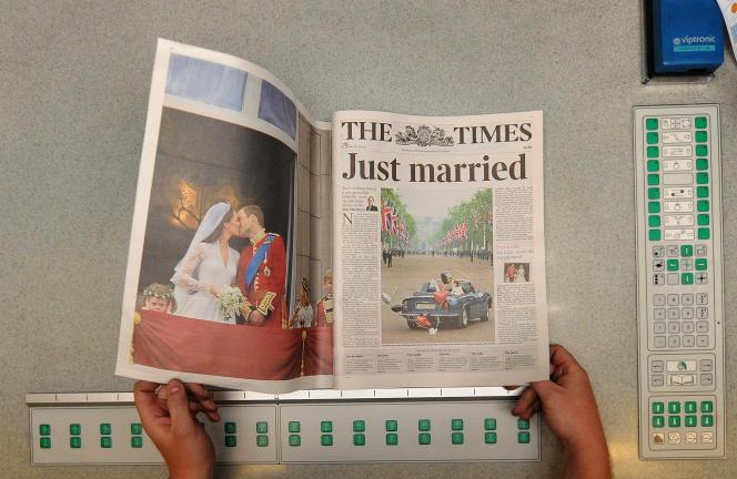 Un exemplaire du Times à son imprimerie de Londres en avril 2011.