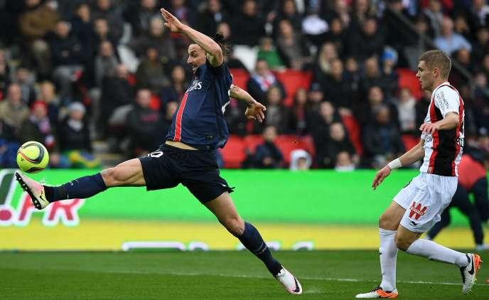 L'attaquant du PSG Zlatan Ibrahimovic, auteur d'un triplé face aux Niçois, samedi 2 avril au Parc des Princes.