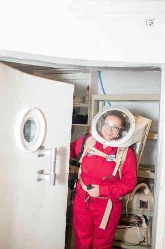 L'Américaine Renée Garifi dirige l'équipe qu'elle compose avec deux autres étudiants diplômés de l'Université internationale de l'espace, à Strasbourg, qui a séjourné dans le campement du 22 janvier au 7 février.