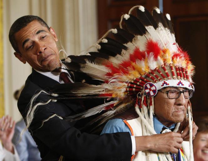 Le président Barack Obama lui avait accordé en 2009 la médaille présidentielle d'honneur, plus haute distincition américaine pour un civil.