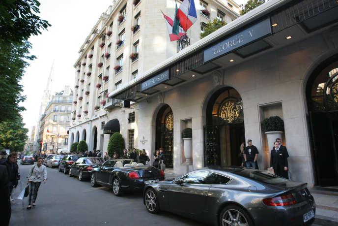En France, le tourisme représente 7,4% du PIB et près d'un million d'emplois non délocalisables, selon l'Insee (2013).