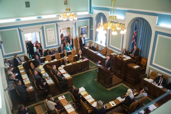 Le premier ministre de l'Islande, Sigmundur David Gunnlaugsson, lors d'une session du Parlement à Reykjavik, lundi 4 avril.