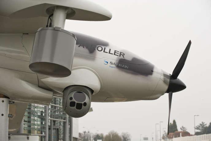 « La conception du drône français Patroller de Safran — dont les premiers clients sont l'Egypte et les Emirats arabes unis — a pu être financée par l'action préparatoire de ces fonds européens» (Drone Patroller Safran en 2016).