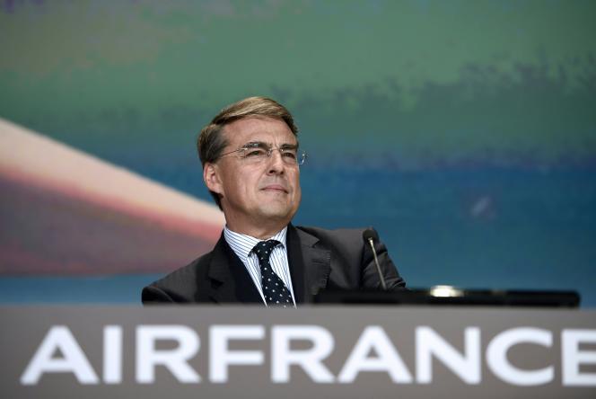 Alexandre de Juniac lors de l'ouverture de l'assemblée générale d'Air France-KLM, àParis, le21mai2015.