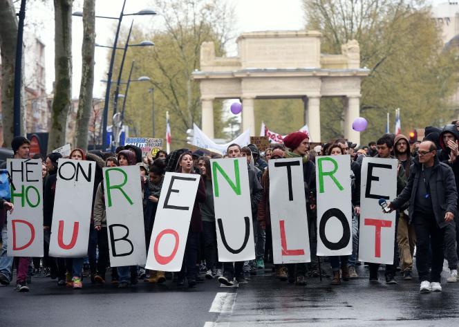 Lors de la manifestation contre la loi El Khomri, le 5 avril à Toulouse.