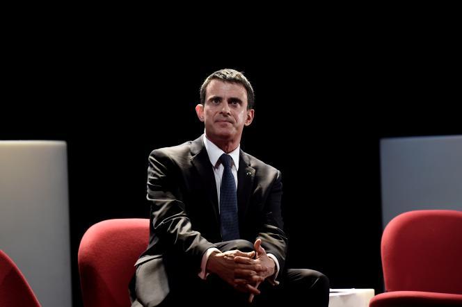 Manuel Valls lors du colloque sur l'islamisme organisé au théâtre Dejazet le 4 avril 2016.