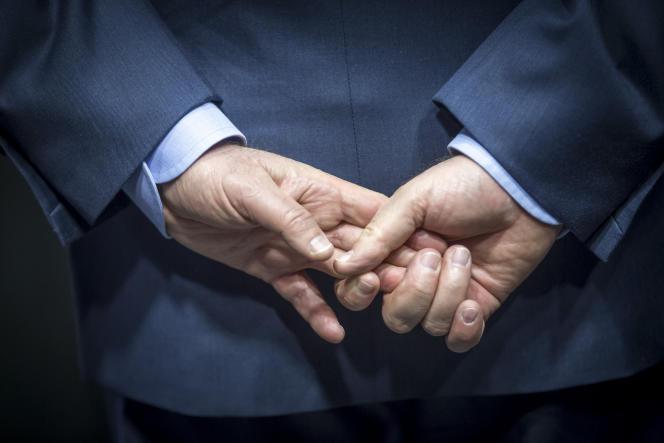 Le président de la République, François Hollande, visite l'Institut du Cerveau et de la Moelle épinière (ICM), à l'occasion de la Journée internationale des Instituts Hospitalo-Universitaires, mercredi 6 avril 2016.