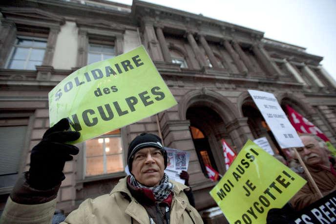 Manifestation devant  le tribunal de Mulhouse (Haut-Rhin), le 29novembre 2010.