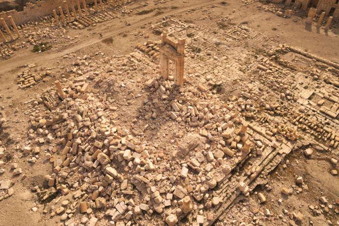 Vue aérienne du temple de Bêl, Palmyre, en Syrie, après sa destruction par l'organisation Etat islamique.