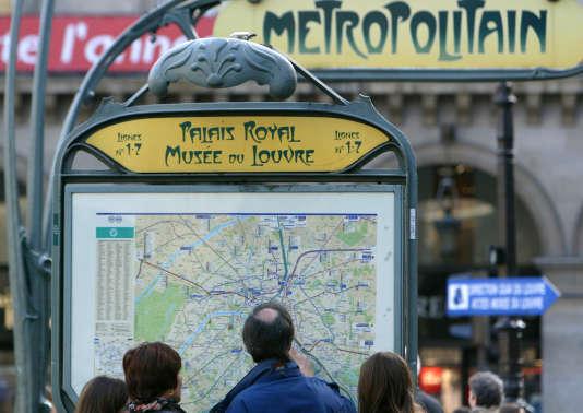 A Paris. Depuis août2015, et la loi sur la croissance d'Emmanuel Macron, les sociétés de transport doivent mettre à disposition leurs données dans le cadre de l'«open data»