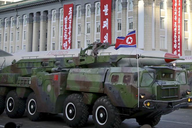 Un missile balistique intercontinental lors d'une parade militaire à Pyongyang, en octobre 2015.