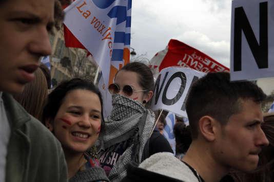 La jeunesse manifeste contre la loi du travail, le 9 avril 2016 dans les rues de Paris.
