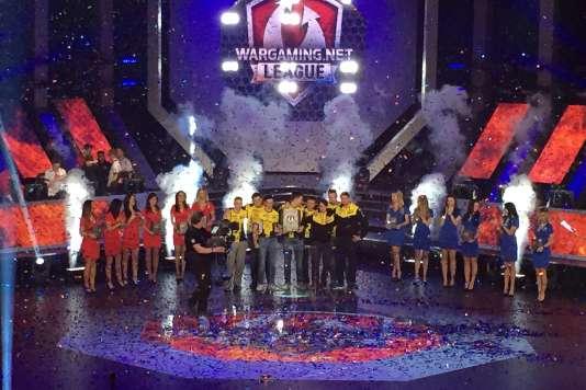 L'équipe russo-ukranienne Na'Vi, championne du monde du jeu en ligne «World of Tanks» à l'issue d'une finale au dénouement imprévisible.