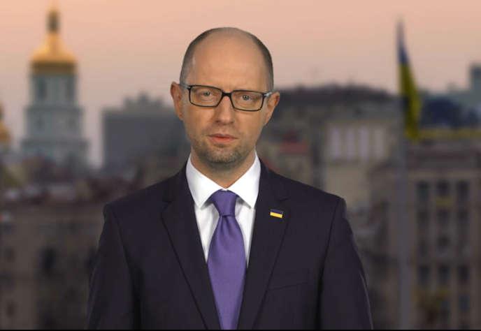 Le premier ministre ukrainien, Arseni Iatseniouk, annonce sa démission à la télévision, dimanche 10 avril 2016.