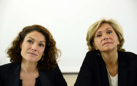 Chantal Jouanno (gauche) et Valérie Pécresse (droite), pendant la campagne des élections régionales en Ile-de-France, le 28 octobre 2015, à Paris.