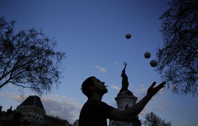 Jeudi 4mai, de 18heures à minuit, une trentaine d'organisationsinvitent à un concert place de la République, à Paris.