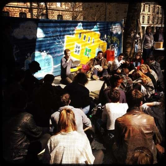 Le dispositif Debout éducation populaire, place de la République à Paris.
