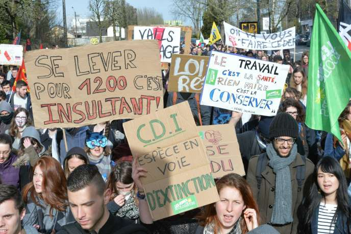 Lors d'une manifestation de lycéens contre la Loi Travail le 31 mars 2016 à Rennes.