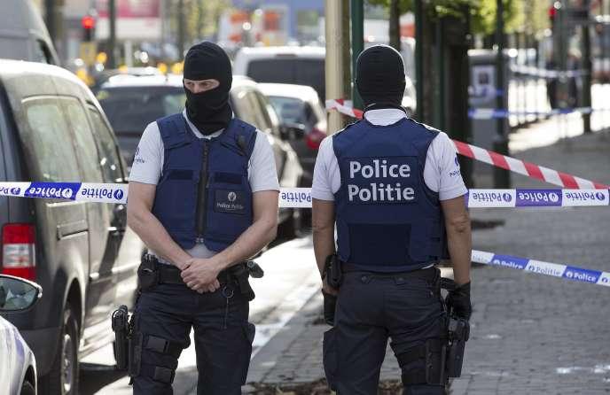 Les forces spéciales lors d'une opération de la police à Bruxelles, le 12 avril.