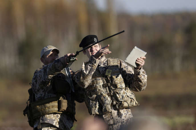 Des soldats lettons lors d'un exercice de l'OTAN, en octobre 2014.