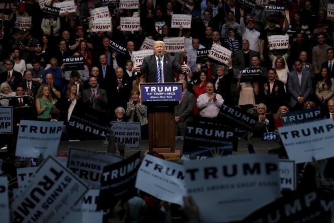 Le candidat républicain Donald Trump lors d'un meeting à Albany, dans l'Etat de New York, le 11 avril 2016.