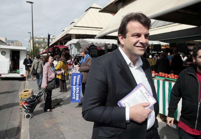 Thierry Solère, candidat dissident UMP dans la 9e circonscription des Hauts-de-Seine en campagne en 2012.