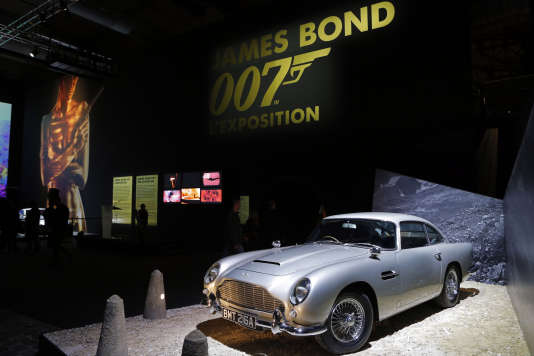 "L'Aston Martin DB5 du film ""Goldfinger"" à  la Villette in Paris, le 13 avril 2016."