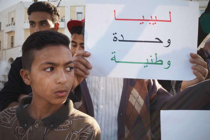 Manifestation à Tripoli le 8 avril 2016. Sur la pancarte :