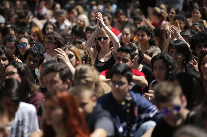 De plus en plus d'Européens sont diplômés de l'enseignement supérieur. En 2015, 38% des 30-34 ans avaient obtenu un diplôme.