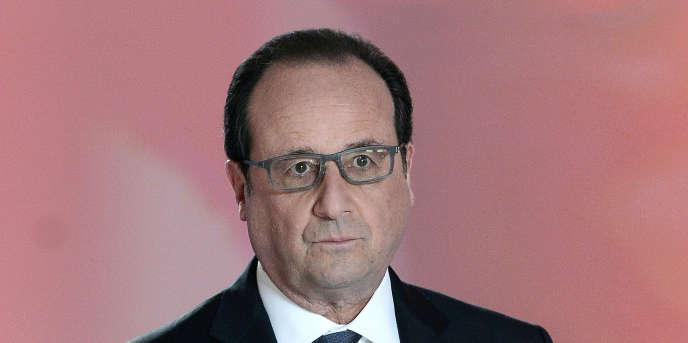 François Hollande, sur le plateau de Dialogues citoyens, jeudi 14 avril.