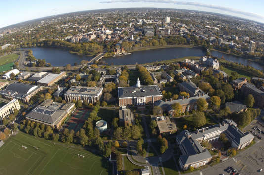 Vue aérienne du  campus de la Harvard Business School.
