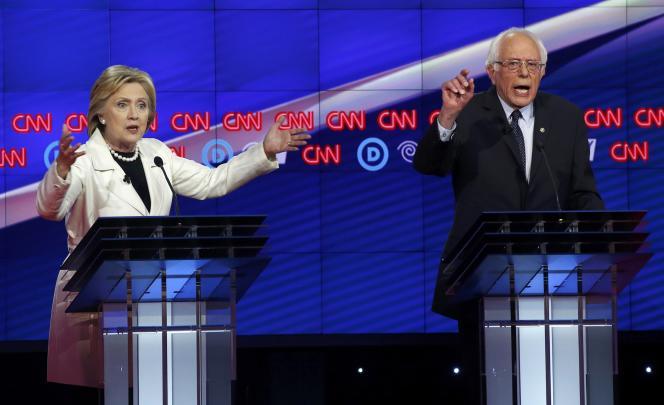 Les deux candidats à l'investiture du Parti démocrate, Hillary Clinton et Bernie Sanders, pendant le dernier débat avant les primaires du 19 avril dans l'Etat de New York.