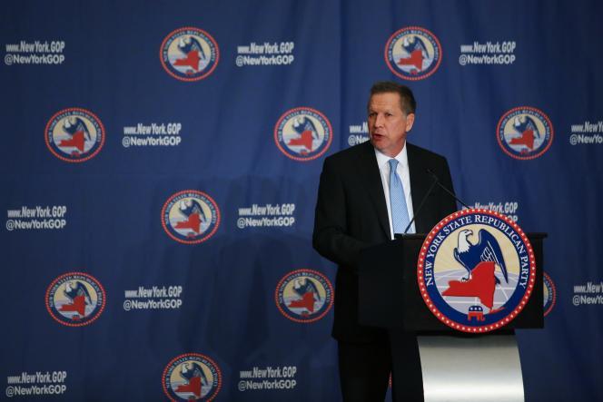 Le candidat John Kasich  lors de son discours au Gala Républicain annuel de l'état de New York, le 14 avril 2016 .