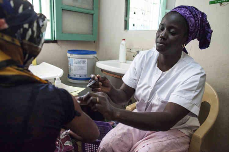 L'ambition d'Awa Marie Coll Seck, la ministre de la santé, est d'accroître de 20à 40% le nombre de femmes ayant recours à la contraception.