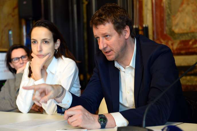 Europe Ecologie Les Verts (EELV) European MP Yannick Jadot (R) gestures as he speaks next to French Economist Julia Cage (C) during a press conference of the collective