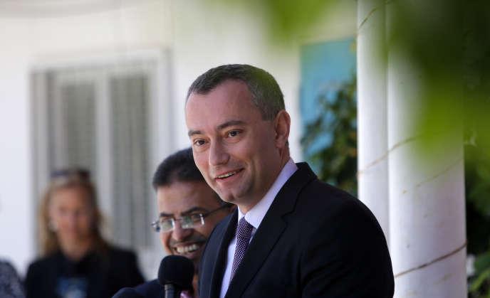 Le diplomate Nikolaï Mladenov lors d'une conférence de presse à Gaza, le 30 avril 2015.
