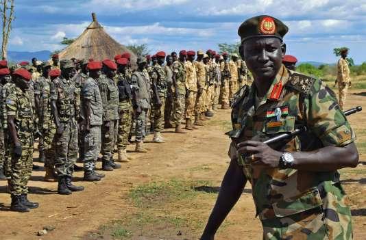 Le brigadier général Lul Ruai Koang, de l'Armée de libération des peuples du Soudan (SPLA), près de Juba, le 14 avril 2016.