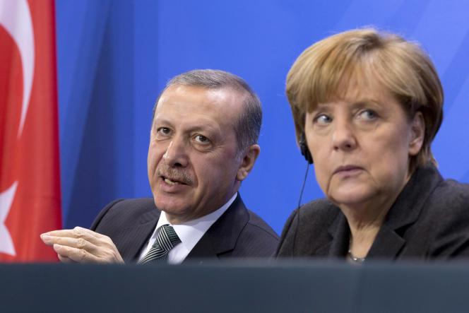 Le président turc, Recep Tayyip Erdogan, et la chancelière allemande, Angela Merkel, le 4 février 2016 à Berlin.