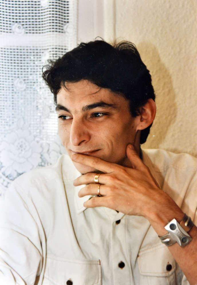 Eric Lang est décédé au Caire, le 13 septembre 2013, à la suite de violences imputées à ses codétenus dans un commissariat duCaire. La famille de ce Français de 49 ans réclame toujours que justice soit faite.