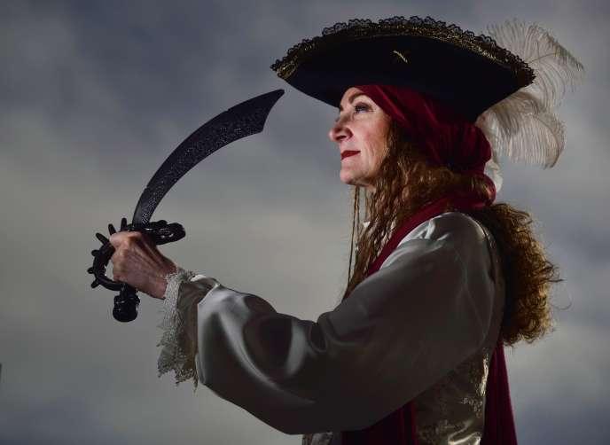 Karen Martyn, la première officiante de l'Eglise du monstre de spaghettis volant autorisée à célébrer légalement des mariages en Nouvelle-Zélande.