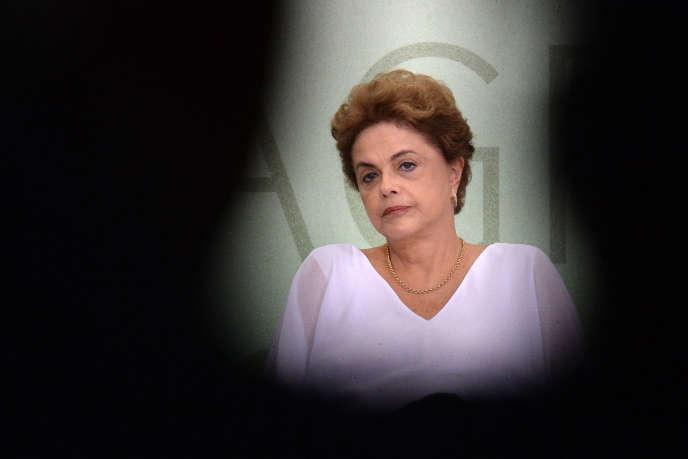 La présidente brésilienne Dilma Rousseff, lors d'une cérémonie au Palace de Planalto, Brasilia, le 1er avril 2016.