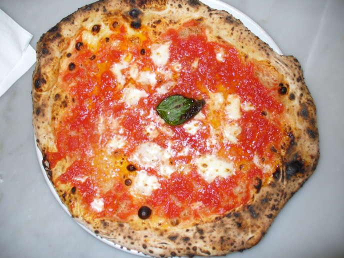Une pizza napolitaine.