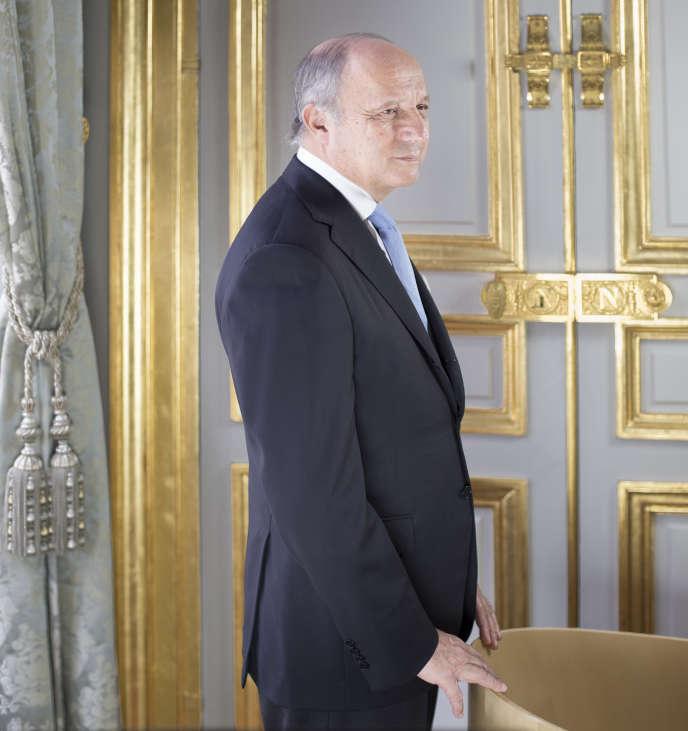 Le président du Conseil constitutionel, Laurent Fabius, dans ses bureaux, le 13 avril 2016.